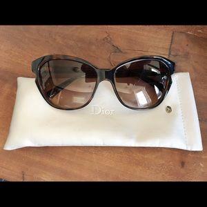 Simply Dior Cat Eye Sunglasses